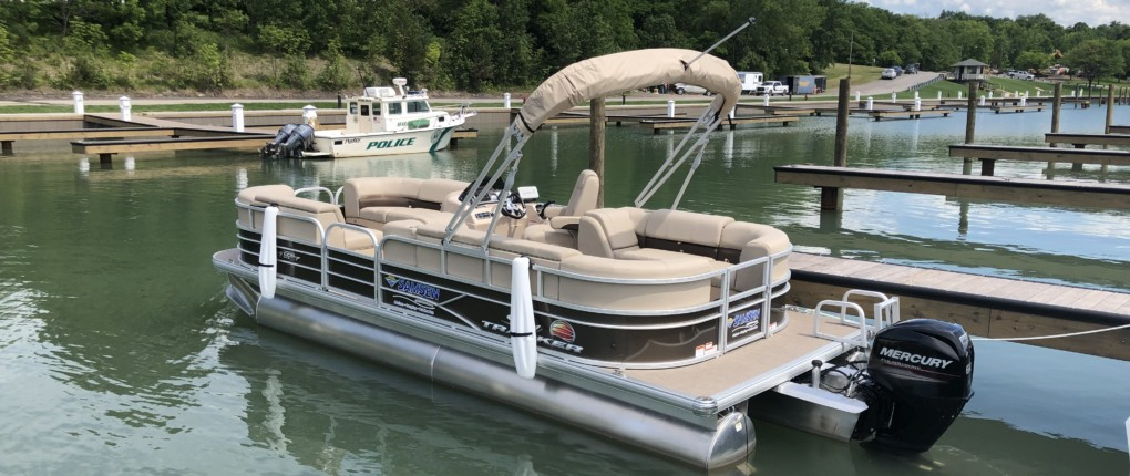 Samsen Pontoon Boat Rental Rear