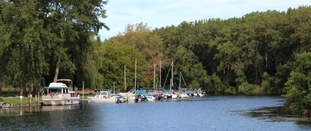 Samsen Seneca Lake Marina Channel Docking
