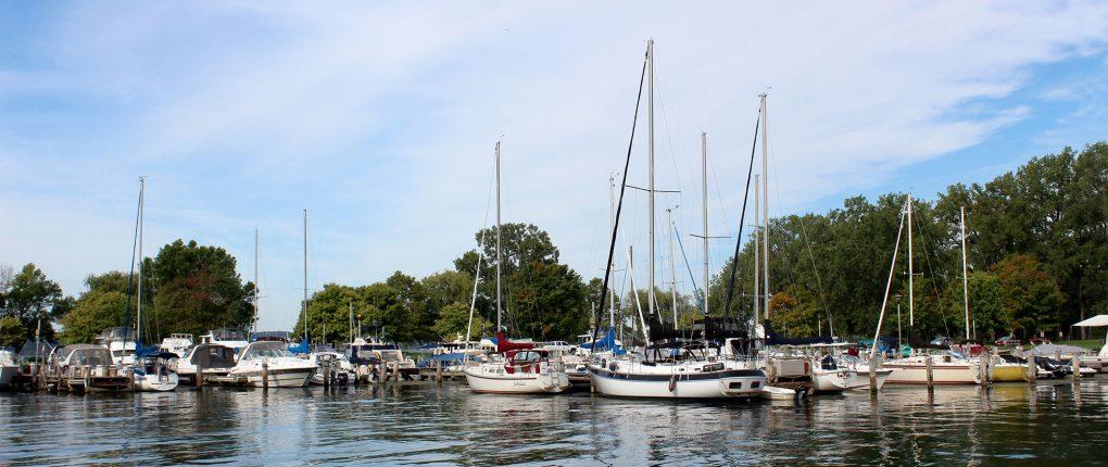 SamSen Marina sailboat and cruisers docked